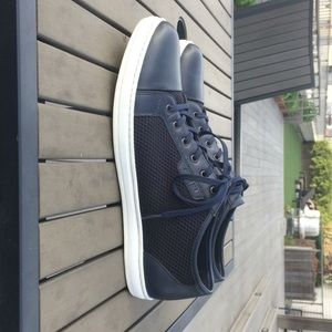 Kenneth Cole Shoes - Kenneth Cole Blue Mixed Platform Sneaker - Size 11